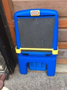 Little tikes easel with chalk board