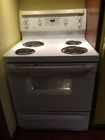 GE Stove/Four, Self Cleaning, Excellent Condition $250