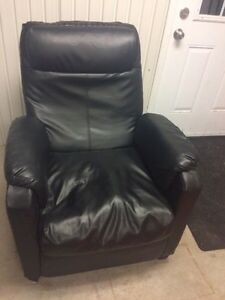 Mini lazy boy chair (leather)