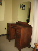 Must sell!! Antique Vanity with Mirror for $150 or best