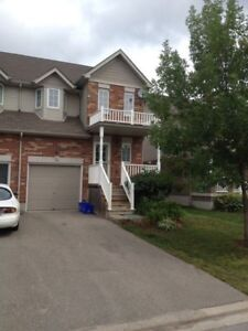 AVAIL. AUG. 1/2018 - END UNIT TOWNHOUSE FOR RENT IN ALLISTON