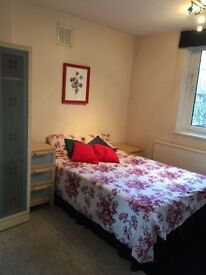 DOUBLE ROOM IN CLAPHAM JUNCTION AVAILABLE