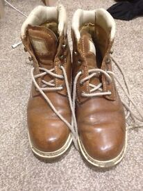 Cat boots size 6