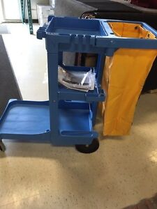 Cart With 3 Shelves And Vinyl Bag