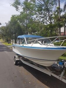 17ft pacemaker fishing/cruising day boat. 150 HP mercury Fig Tree Pocket Brisbane North West Preview