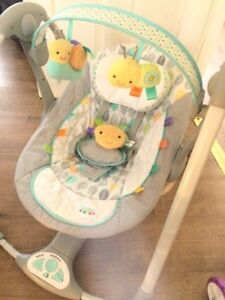 Taggies baby swing - battery and magnet operated Oakville / Halton Region Toronto (GTA) image 1