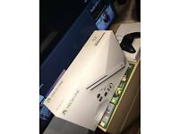 XBOX ONE 500gb 2 controllers 3 GAMES