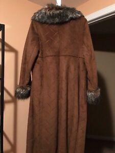 Suede and Fur Elegant Coat - Size S Kitchener / Waterloo Kitchener Area image 4
