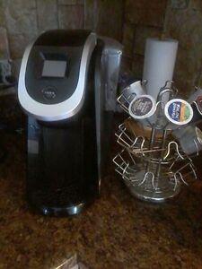 Keurig 2.0 avec raque et quelque cups