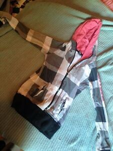 Cute size small bench sweater  Peterborough Peterborough Area image 1