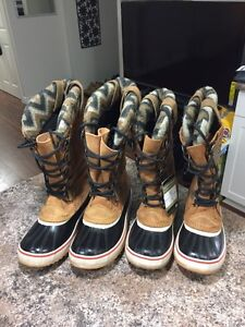 SOREL LEATHER WINTER BOOTS/ NEW! London Ontario image 3