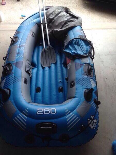 Escape Raft et Escape Sheerwater 4man Raft
