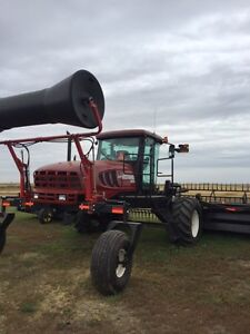 M205 MacDon Westward swather with only 755 hours Moose Jaw Regina Area image 2