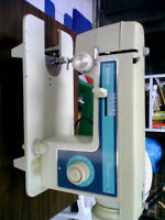 BROTHER SEWING MACHINE WITH TABLE
