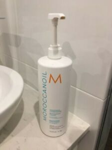 90% FULL - Moroccanoil SMOOTH CONDITIONER