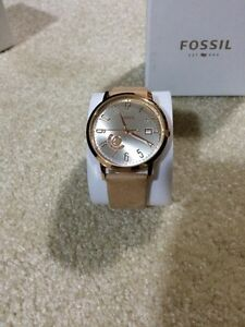 Brand new Women's Fossil Watch (Rose Gold)