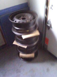 4x14 inch rims ( 5Holes), 4 jantes acier 14 po,  $50