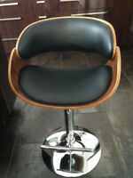 bar stools 149$/each - Chaises hautes