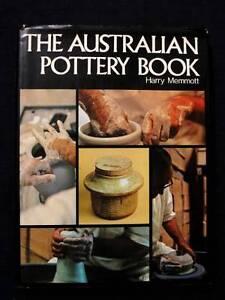 The Australian Pottery Book - Harry Memmott [Hardback] Loganholme Logan Area Preview