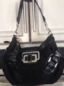 Guess Purse- New Condition