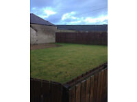 2 bedroom flat for rent private back garden close to all amenities £400 pcm