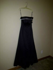 Beautiful Black and White Strapless Dress for sale! Cambridge Kitchener Area image 2