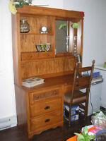 Meuble de travail bureau en bois avec huche et miroir