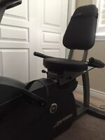 R1 Life Fitness Recumbent Bike Including Advanced Console