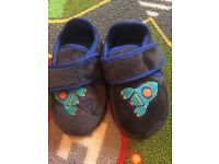 As new toddlers m&s slippers. Size 7