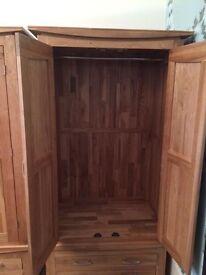 Oak wood double wardrobe