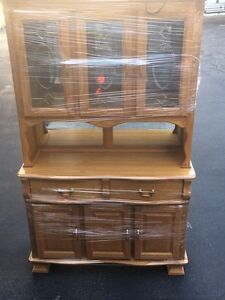 Golden Oak Classic China Cabinet Great Condition!!