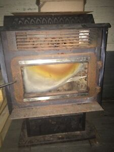 Wood pellet stove  Kitchener / Waterloo Kitchener Area image 1