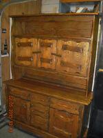 Tres beau buffet vaisselier en bois rustique livraison possible