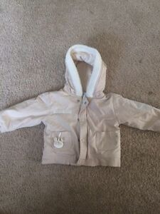 Gender neutral size 6 months Fall / Spring jacke