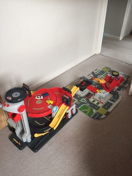 Big City Car Garage Toy and extras