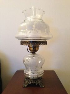 Table Lamp - Beautiful Vintage Style - Brand New Condition
