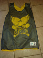 """CAMISOLE / JERSEY """"FOUR YEAR STRONG"""" : Comme neuf !!!"""