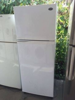 good size /great working 383 liter sumsung fridge , can delivery