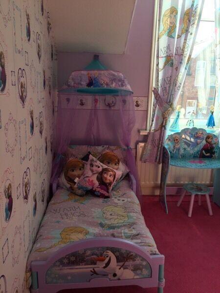Frozen bedroom £120