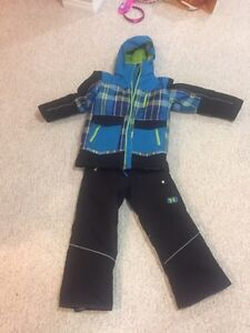 Boys and girls winter jackets and pants Moose Jaw Regina Area image 1