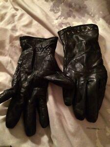 Riding gloves  Peterborough Peterborough Area image 1
