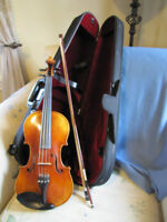 Beautiful Fiddle, Bow & Case