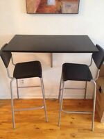 Wall mounted table + 2 chairs