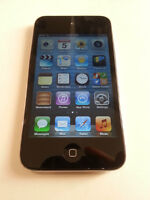 Ipod Touch 4th Gen 32 GB Black + Charger