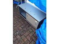 ** 1 metre wide base for cigarette gantry ** ideal for storage **