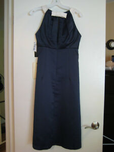 Alfred Sung Bridesmaid Dress, Midnight Blue, Size 6 London Ontario image 2