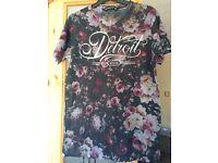 Mens floral T shirt size XS