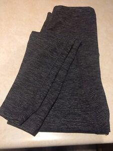 Maternity pants leggings size small old navy