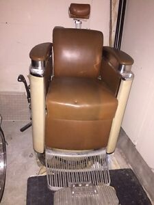 KOKEN 60's  HYDRAULIC BARBER CHAIR West Island Greater Montréal image 3