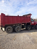 DUMP TRUCK TRIAXLE GM 8500